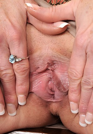 Nails Porn Pictures